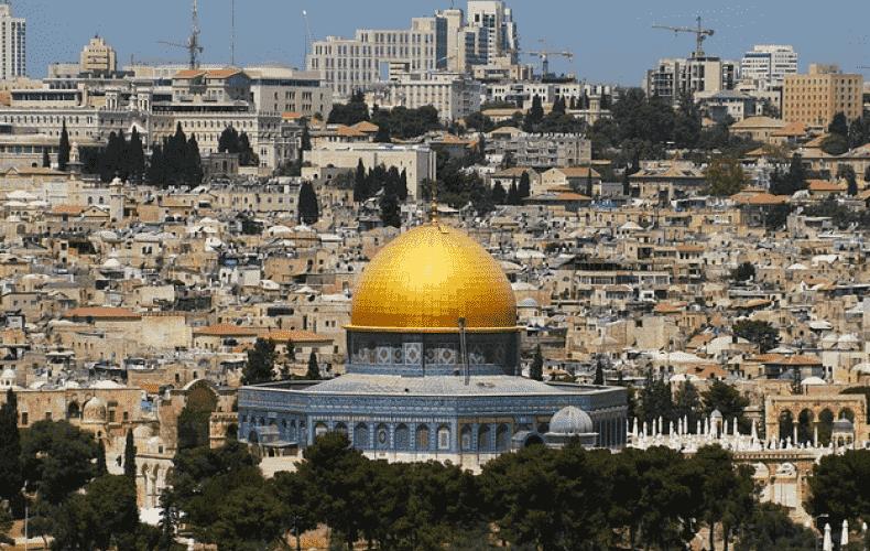 Hamas fire rockets at Jerusalem
