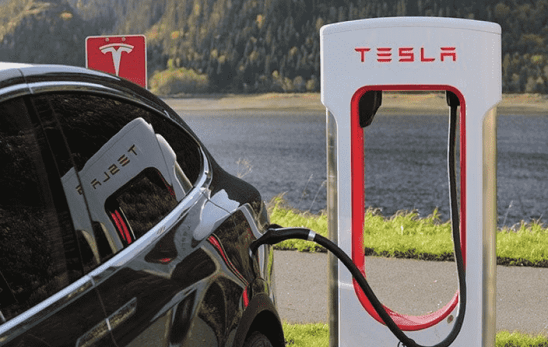Tesla wants to open its charging stations to everyone