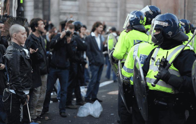 Violent protests against Corona lockdown in Melbourne