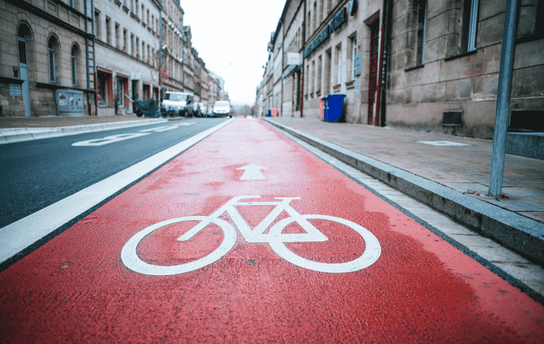 118 million euros are wasted on cycle superhighways
